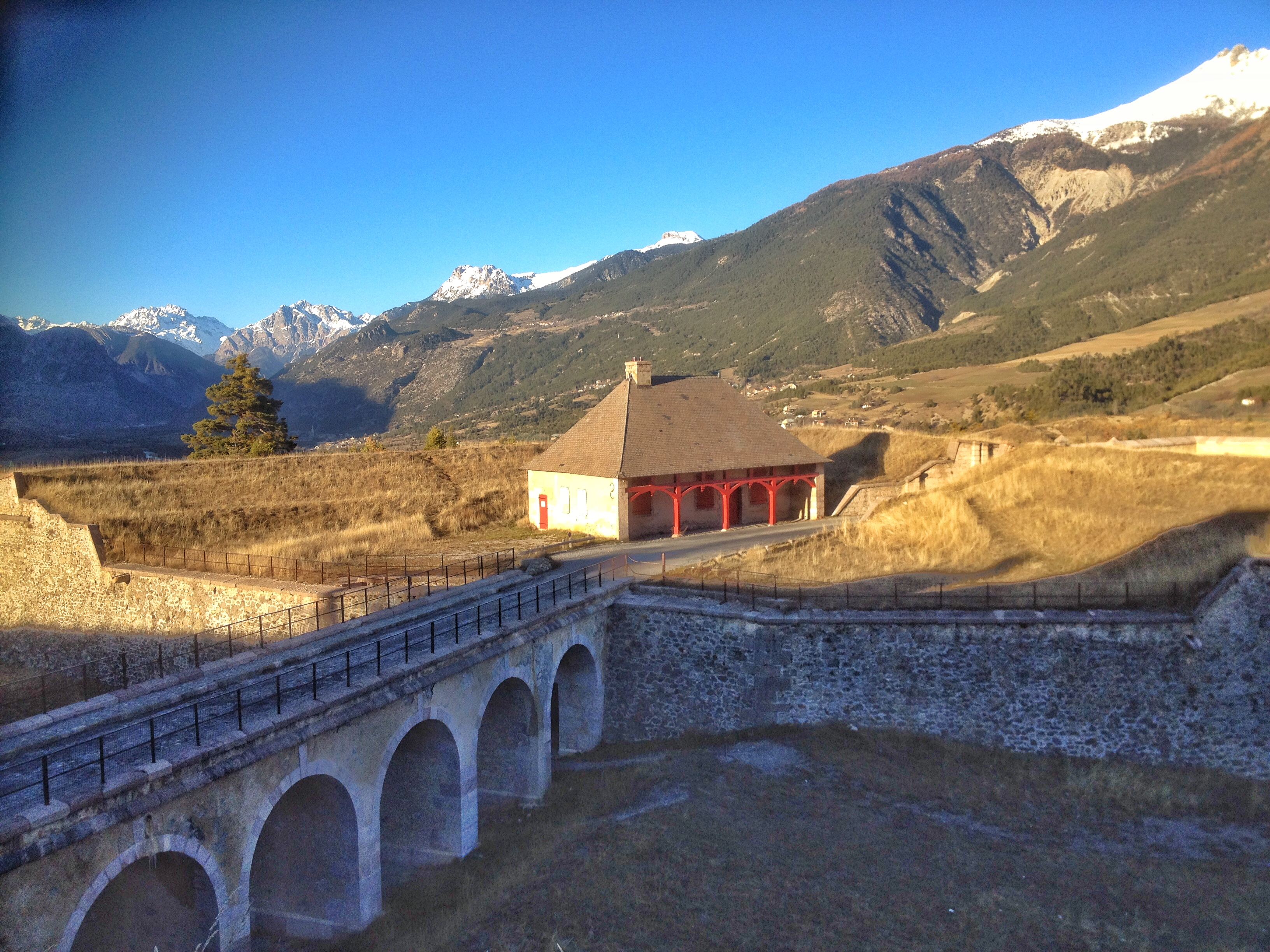 Le pont vers la port de Briançon
