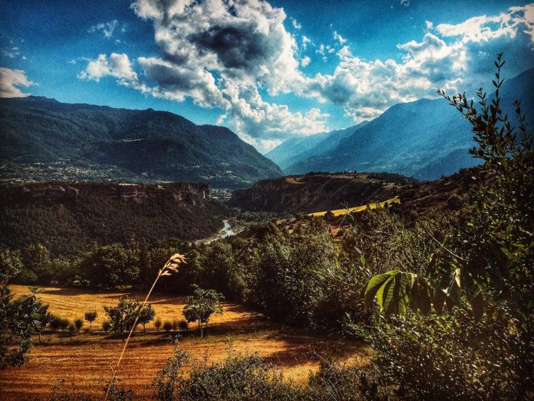Vue sur Mont Dauphin et la vallée du Guil, fin de journée